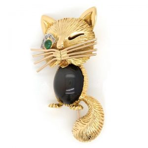 Vintage 18ct Gold Winking Cat Brooch with Diamond and Emerald Set Eye