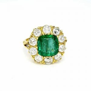 Emerald and Diamond Cluster Ring in 18ct Yellow Gold, 3.65 carats