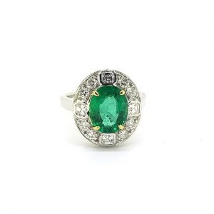 Emerald and Diamond Oval Cluster Ring in 18ct Gold, 2.29 carats