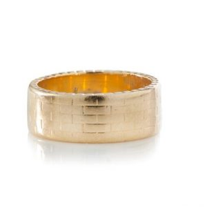 Vintage Kutchinsky 18ct Yellow Gold Brick Design Band Ring; stylish Kutchinsky 18ct gold gentleman's band ring in the pattern of a brick wall, Made in London 1960