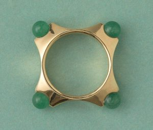 Vintage Retro Aventurine and 18ct Yellow Gold Ring