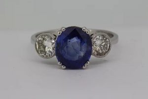 Sapphire and Diamond Three Stone Ring in 18ct White Gold, 2.90 carats