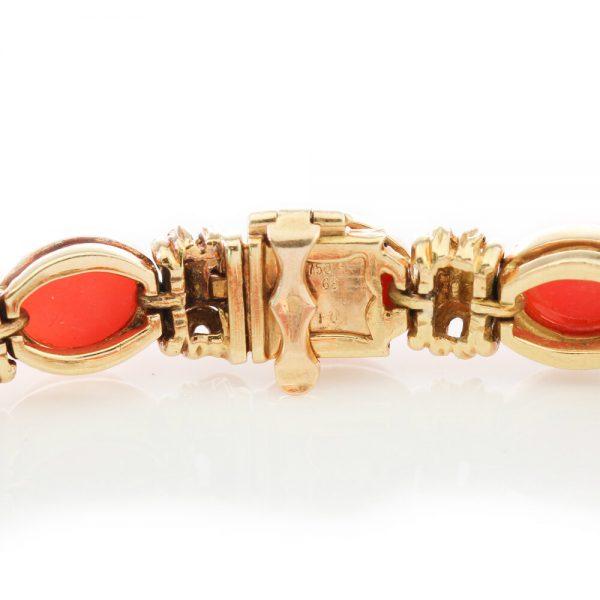 Van Cleef and Arpels Vintage Coral and 18ct Gold Bracelet, Circa 1970s