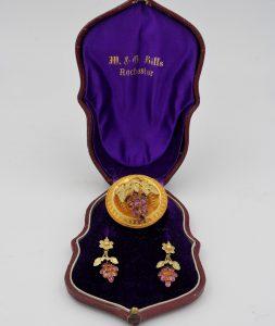 Antique Garnet 18ct Gold Carved Grape Earrings, Brooch Demi Parure