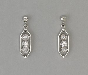 Diamond Drop Earrings in Platinum, 0.95 carats