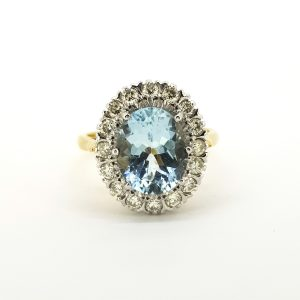 Aquamarine and Diamond Oval Cluster Ring in 18ct Gold, 6.50 carats