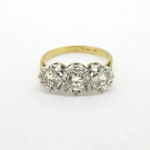 Vintage 1970s Diamond Three Stone Ring in 18ct Gold, 1.00 carat total