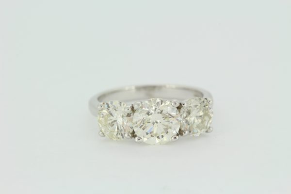 Classic Three Stone Diamond Trilogy Ring, 3.69 carat total, in 18ct white gold