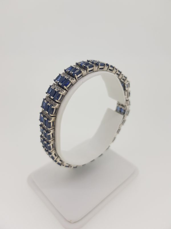 Oval Cut Sapphire and Diamond Bracelet in 14ct Gold, 12.00 carat total