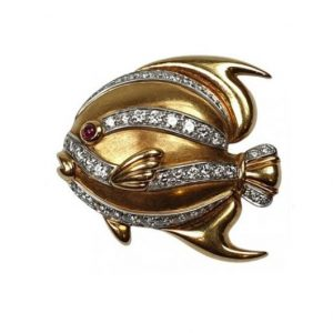 Tiffany and Co 18ct Yellow Gold Tropical Fish Brooch with four graduating diamond highlights and a cabochon ruby eye. Circa 1991