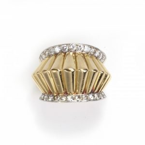 Vintage 1940s French Fluted Gold and Diamond Ring, 1.10 carats