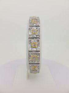 Baguette Cut Diamond Link Bracelet in 18ct White Gold, 12.80 carat total