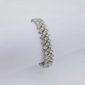 Fine Diamond Bracelet in 18ct White Gold, 19.63 carat total