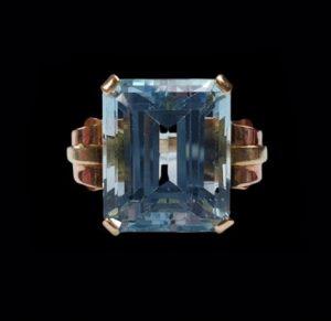 Vintage 18.50ct Aquamarine Cocktail Ring in Bi Colour Gold, Circa 1930s