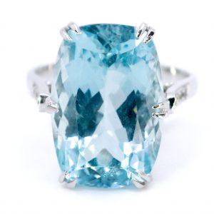 Vintage 14ct Aquamarine and Diamond Dress Ring